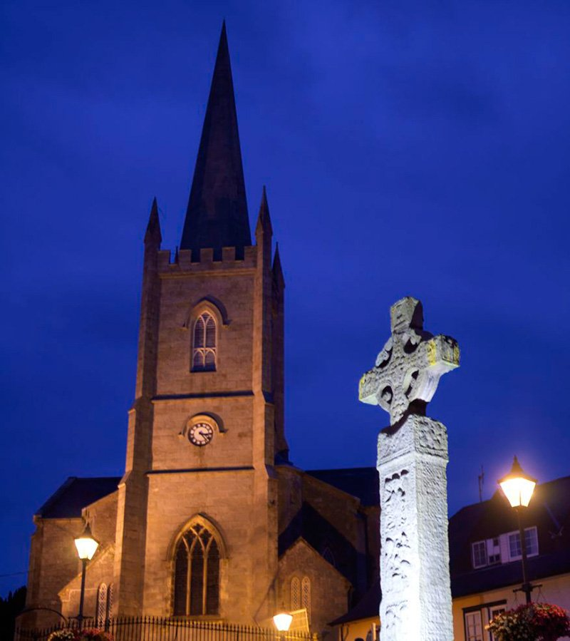 celtic-cross-at-night
